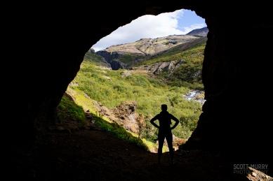 jana-in-cave